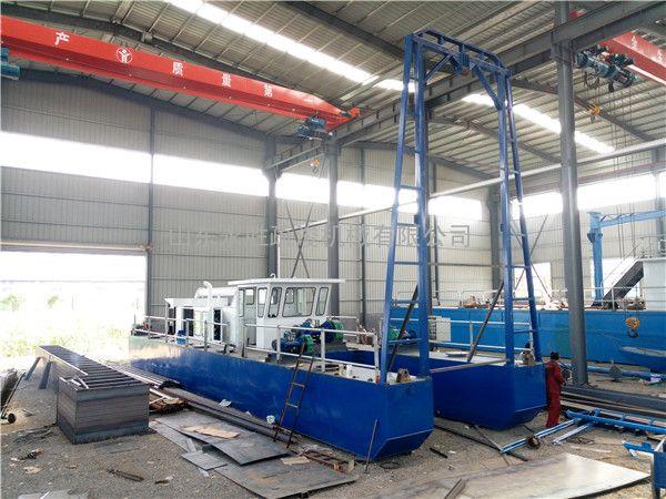 澜沧江300方射流式抽沙船适合急水作业 带固定绞车的抽沙船