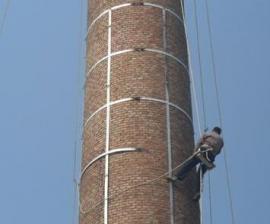 砖烟囱加箍加固 烟囱爬梯护网防 腐烟囱平台防腐企业