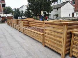 道路隔离护栏花箱|人行道花箱护栏|金属护栏带花盆推荐志诚塑木