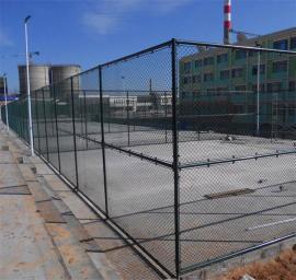学校操场pvc勾花足球场围网 体育场围栏网运动场球场护栏可定制