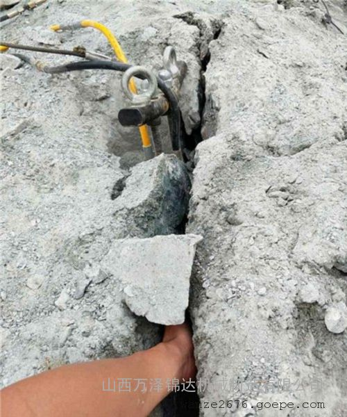 进口全自动岩石劈裂机