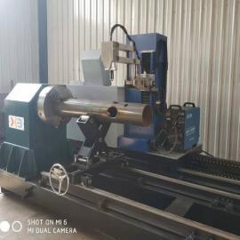 信本科技五轴相贯线切割机,切割圆管管径630mm
