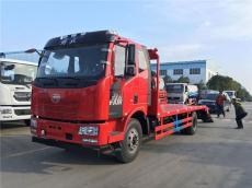 解放j6单桥平板运输车轴距5米大柴180马力可拉15吨挖机拖车