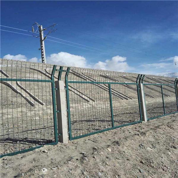 铁路防护栅栏|高铁护栏集散地护栏|高速铁路隔离栅栏定制