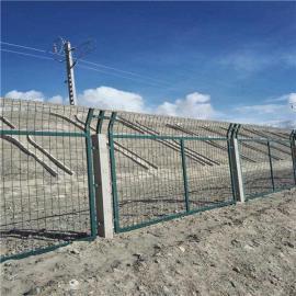 铁路防护栅栏|铁路防护栅栏现货|高铁桥下防护栏片出售