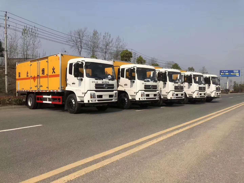 东风天锦6.6米气瓶厢式运输车参数配置及图片