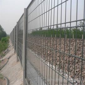 铁路钢板网栅栏网片|金属围栏网|铁路两侧全封闭栅栏网