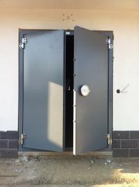 防火防爆门报价。实验室电控室防爆门,制药厂防爆门
