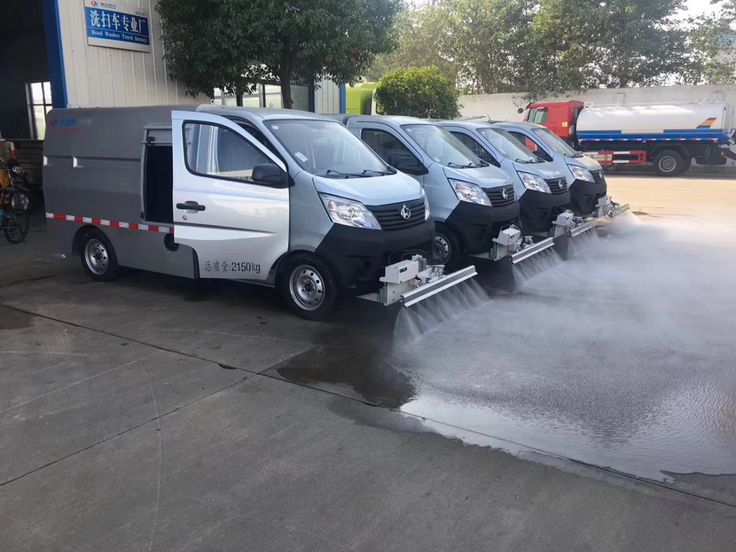 10吨天锦路面养护清洗车厂家有的小伙伴便以为胎压能调高一点,能排忧解难省油.