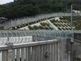 铁路防护金属网栅栏-高铁金属防护栅栏-铁路隔离防护栅栏
