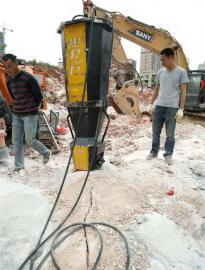 隧道开采掘进破石头的机器