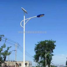 鸿泰120W大功率高光效太阳能路灯 定制9―12米分体式路灯