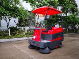 酒店外围清扫用驾驶式电动吸尘清扫车 清扫树叶灰尘用