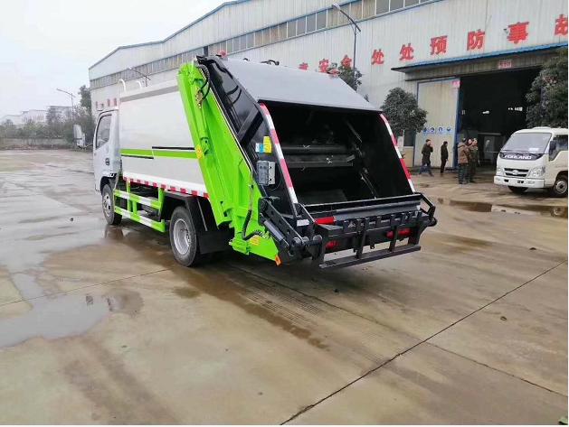 东风小型压缩垃圾车 6方压缩垃圾车