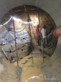 坚硬岩石开采分裂用劈裂机开山机使用