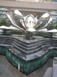 四季永逸大酒店不锈钢雕塑喷泉正在进行中