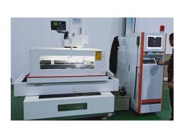 中走丝线切割机- 高精度伺服中走丝-隆凯机电科技