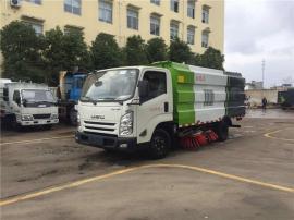 国六湿式扫路车