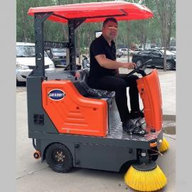 物业保洁电动扫地车 小区工厂学校垃圾灰尘树叶电瓶驾驶式清扫车