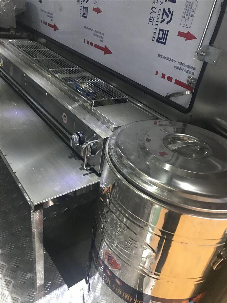 可靠的剧组流动餐饮车 农村酒席流动餐车有现车包上牌