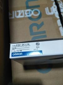日本 OMRON 传感器 E32-ZC11N
