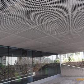 安平博卓玻璃棉铝板网吸声墙面