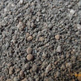 低密度配重铁砂价格便宜,压重铁砂量大,铁砂用途广泛