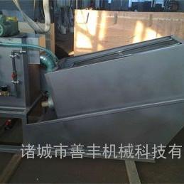 采用不锈钢材质经久耐用的叠螺污泥脱水机