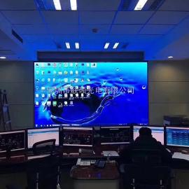 近距离观看P1.25全彩LED显示屏全包工程报价