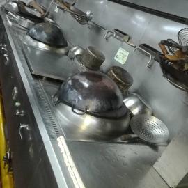 *安装餐厅厨房排烟beplay手机官方安装抽油烟机排烟风机