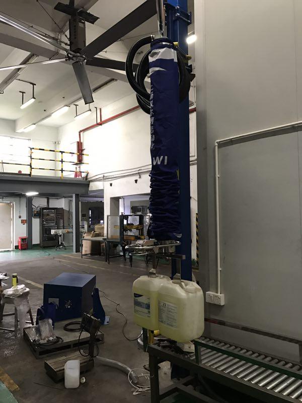 瑞典TAWI气管吸吊机、非标定制吸盘吊具塑料桶类产品搬