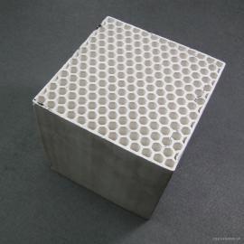 五丰陶瓷RTO焚烧lu蜂窝陶瓷xu热体150*150*300