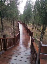 防腐木栈道制作|景观木平台施工|户外实木栏杆安装|芬兰木菠萝格